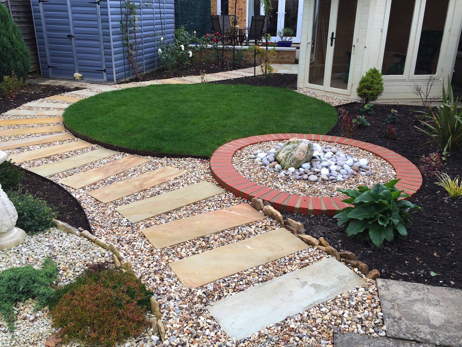 george-stone-garden-with-curves