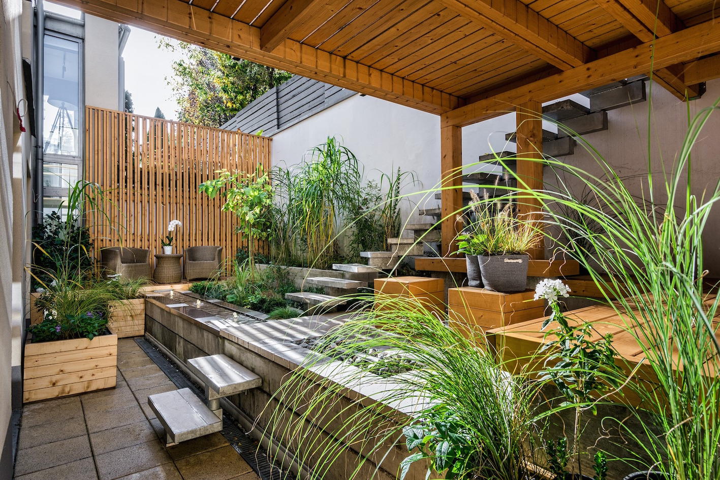 urban-abstract-garden-with-steps-and-plants